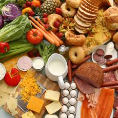 عکس و تصویر مواد غذایی روی میز آشپزخانه