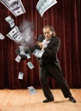 عکس دلار و شعبده باز