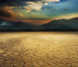 عکس زمین و صحرای خشک شده