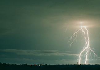 عکس زیبای رعد و برق در آسمان