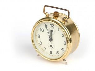 عکس ساعت شماطه دار طلایی