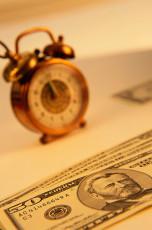 عکس ساعت و دلار