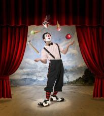 عکس دلقک سیرک و بازی